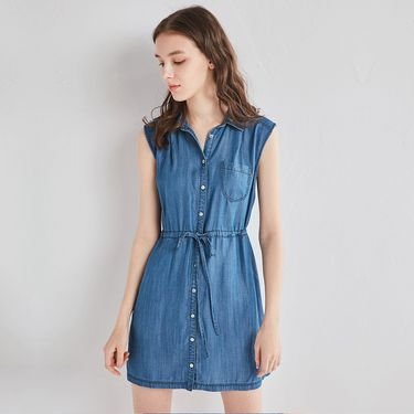 VEE 2018女装春夏新款蓝色翻领收腰无袖连衣裙V723298