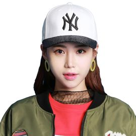 MLB 白底黑标亮片棒球帽男女通用NY洋基队时尚休闲遮阳帽