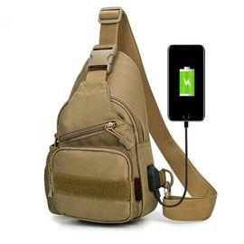VOCCUE 户外运动胸包可充电男女单肩包多用包休闲旅行背包6019